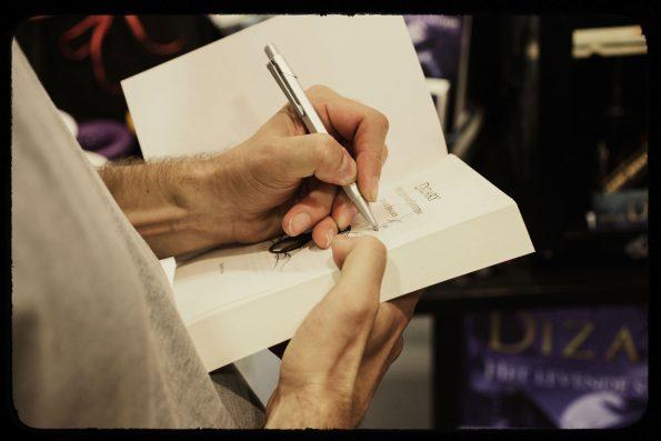 Dizary boekpresentatie Foto Jerry Kooyman