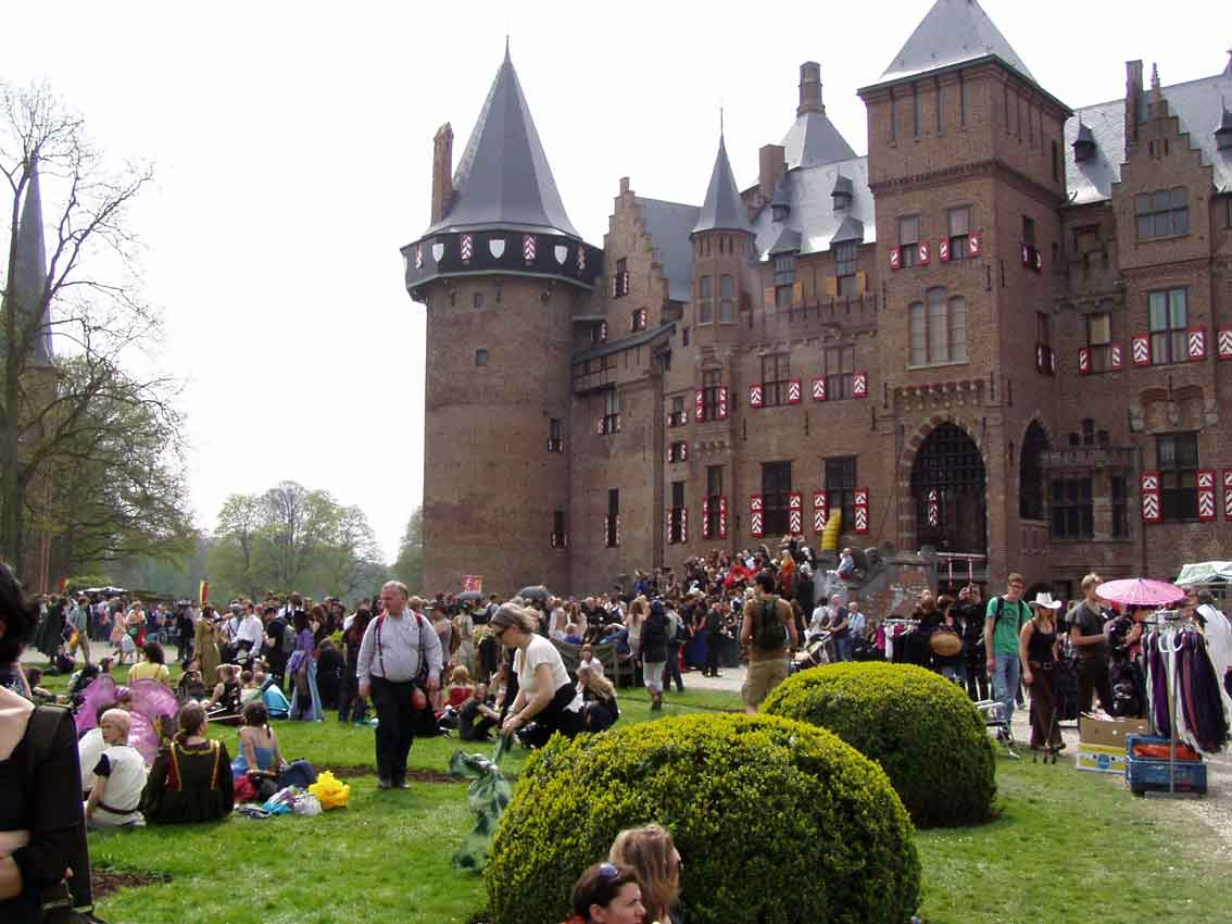 Elfia kasteel de Haar Haarzuilen fantasy fair